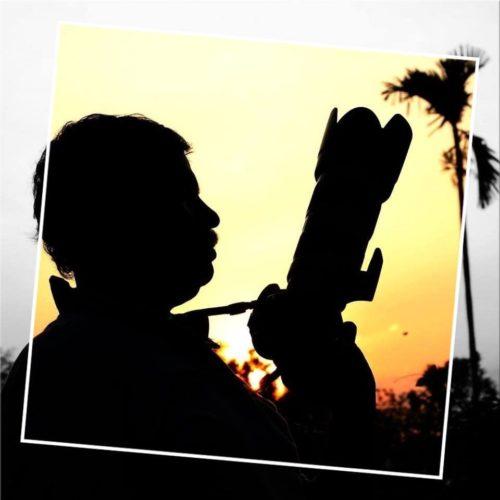 Focus Picture Frame: https://www.tuxpi.com/photo-effects/focus-frame